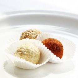 Сырные шарики в панировке из специй и орехов
