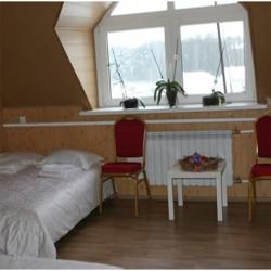 Семейный четырехместный номер эконом-класса с диваном