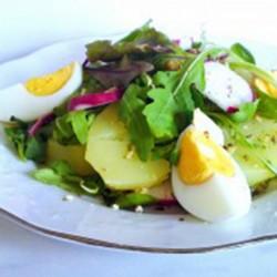 тёплый салат с картофелем